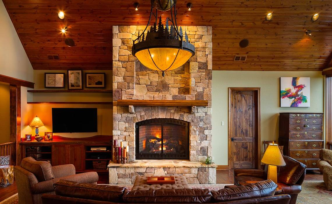 mountainside-lodge-living-room-sineath
