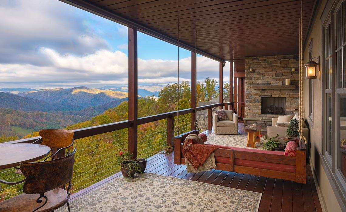 mountainside-lodge-porch-sineath