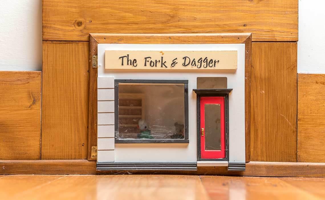 cabin-woods-fork-dagger-sineath