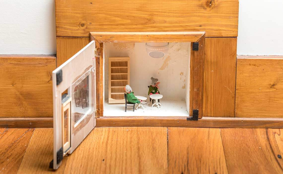 cabin-woods-pub-mice-sineath