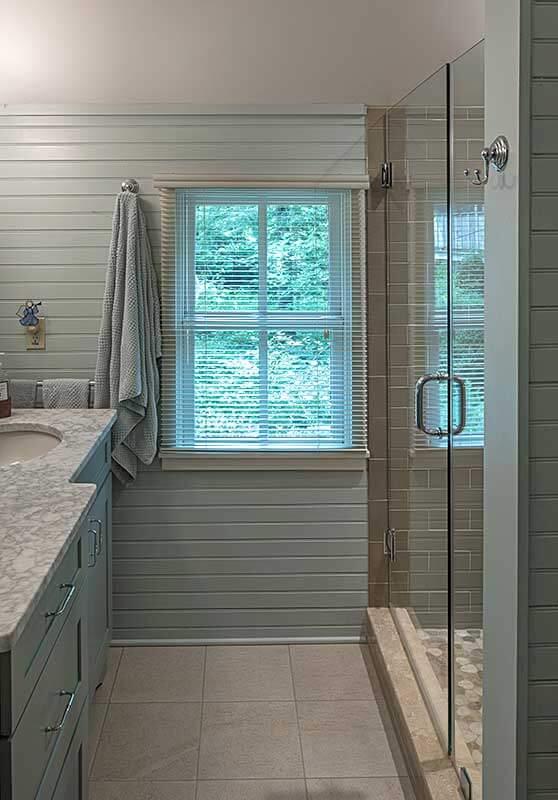 montreat-cottage-bathroom-sineath-v