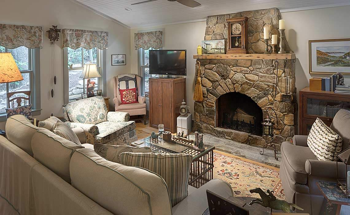 montreat-cottage-living-room-sineath