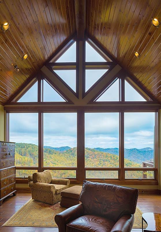 mountainside-lodge-living-room-view-sineath-v