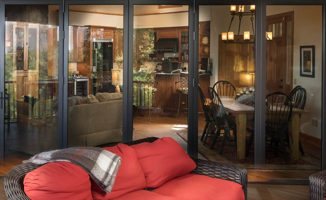 stately-mtn-cottage-glass-doors-sineath