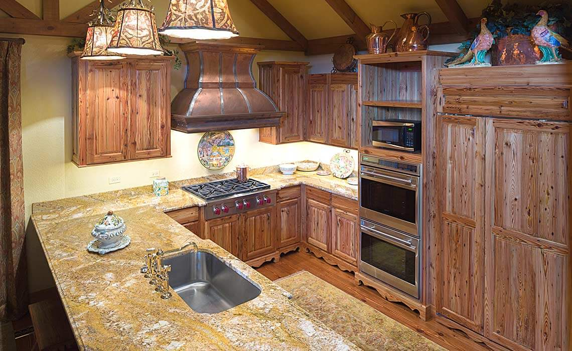 stately-mtn-cottage-kitchen1-sineath