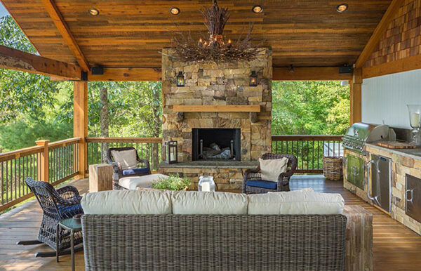 685-adding-outdoor-living-fireplace-sineath