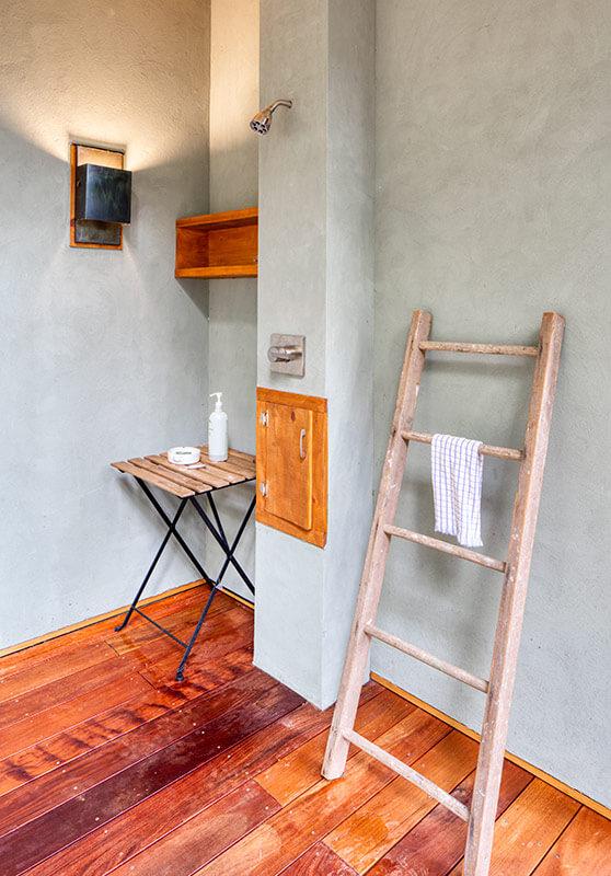 sanders-outdoor-shower-sineath-v